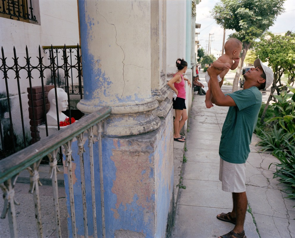 Zapotes and Flores, Santos Suárez, Havana, October 13, 2002